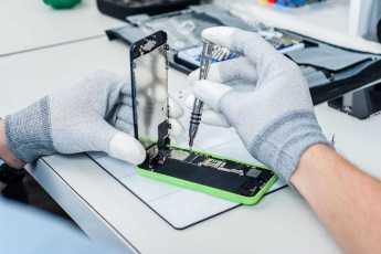 iPhone ремонт Киев