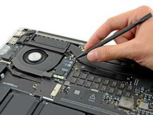 Чистка MacBook от влаги и пыли