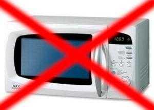 Не сушить iPhone в микроволновке